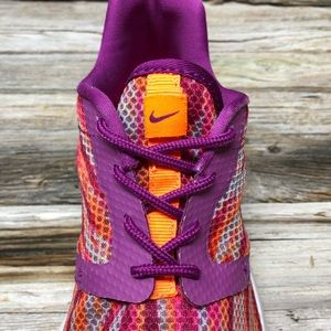 Nike Shoes - Nike Roshe Flight Weight Youth Girls 5 Running